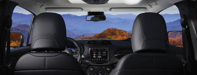 JEEP-4xe-renegade-technology-desktop-FeatureHeroBanner-1450x510
