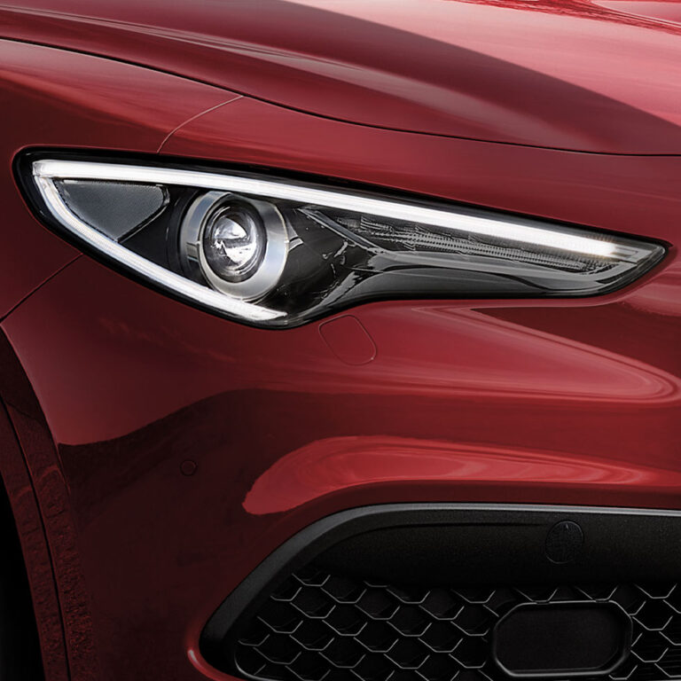 alfa-romeo-stelvio-esterni-close-up-proiettore-desktop-980x980